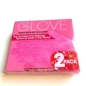 The GLOVE Makeup Removal / Brush Cleaner 2 pk NWOT